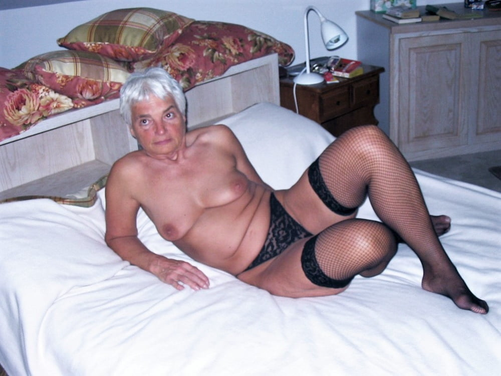Mature woman on cam