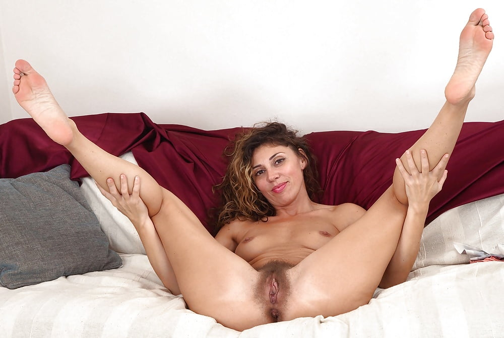 free-mature-spread-eagle-videos