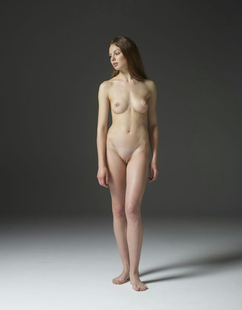 Standing Nude Girls Images