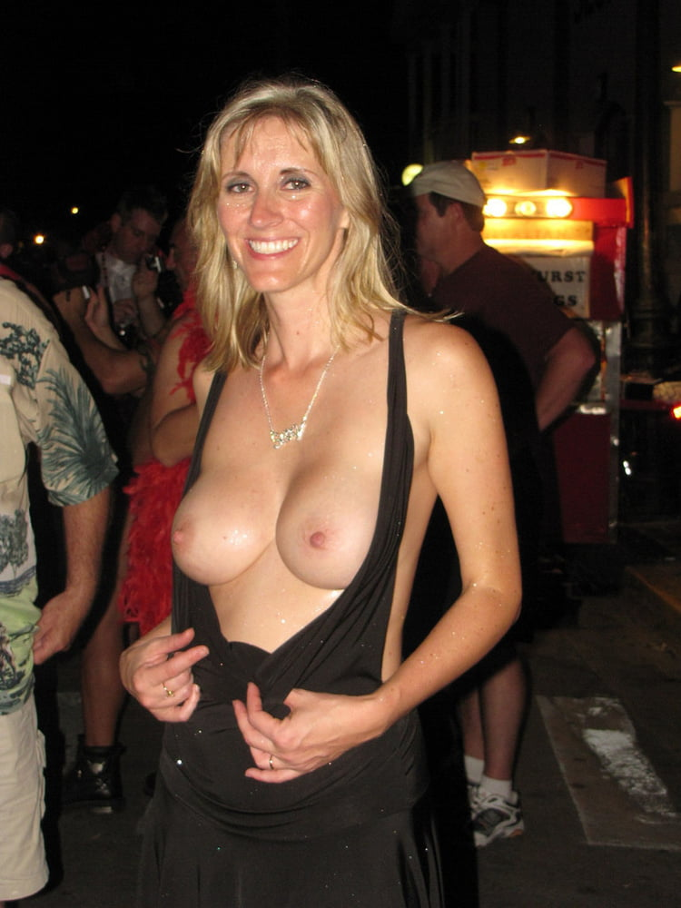 milf-party-string