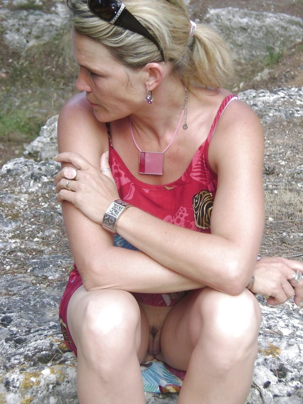 Mature women upskirt-4585