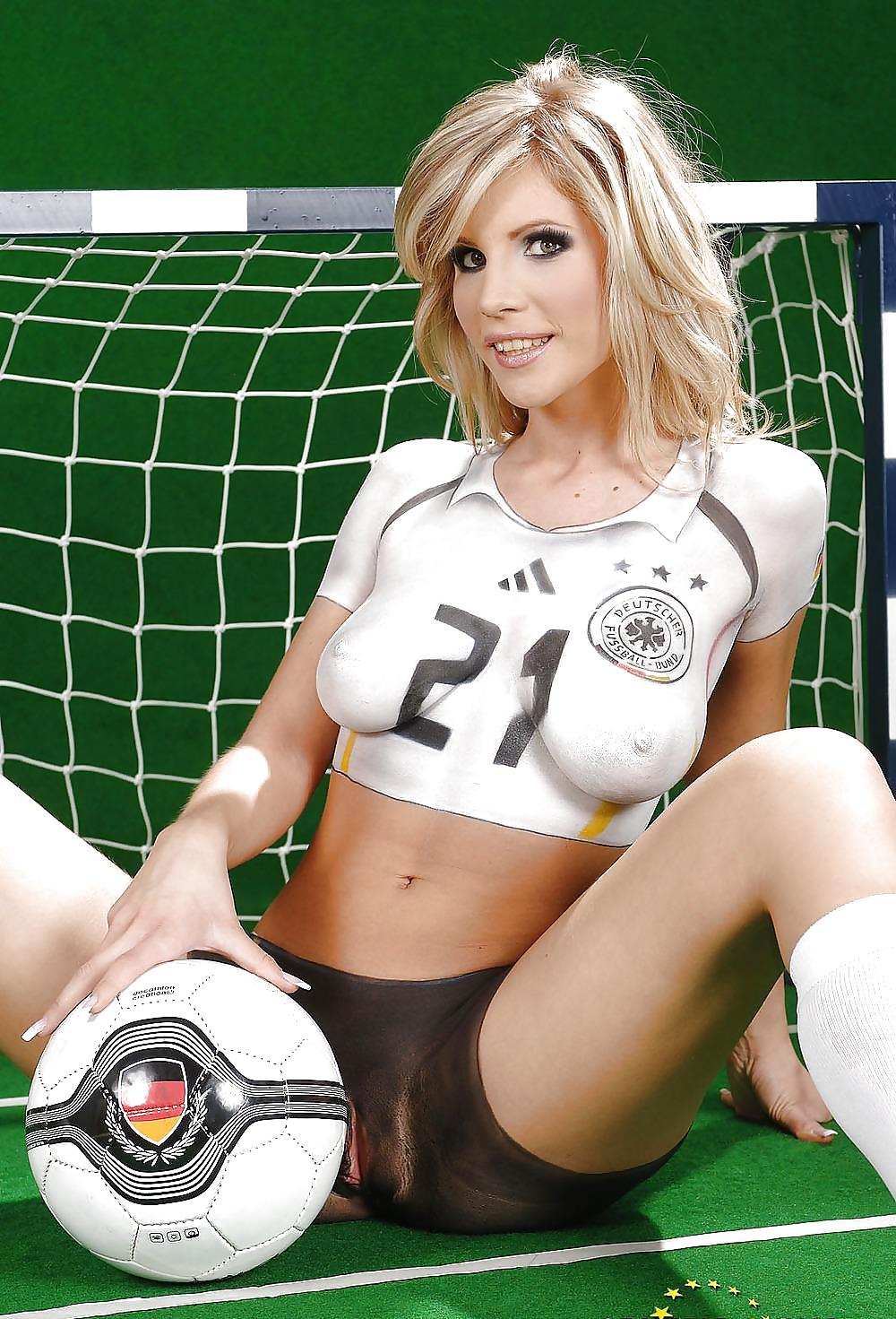hot-argentinian-soccer-babes-having-sex-cabbage-sex