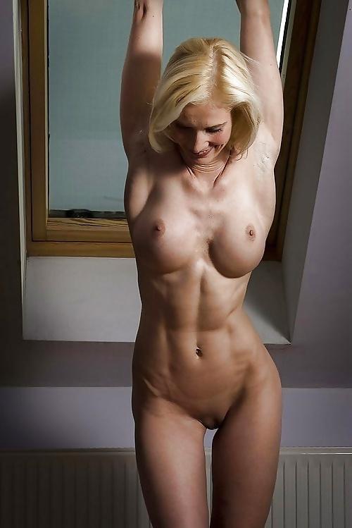 Fit naked milfs sex pics
