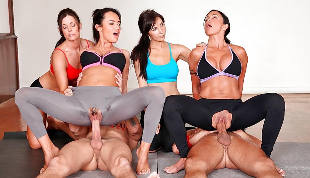 Трахнул на занятиях йоги в лосинах, любительская съемка видео реального секса