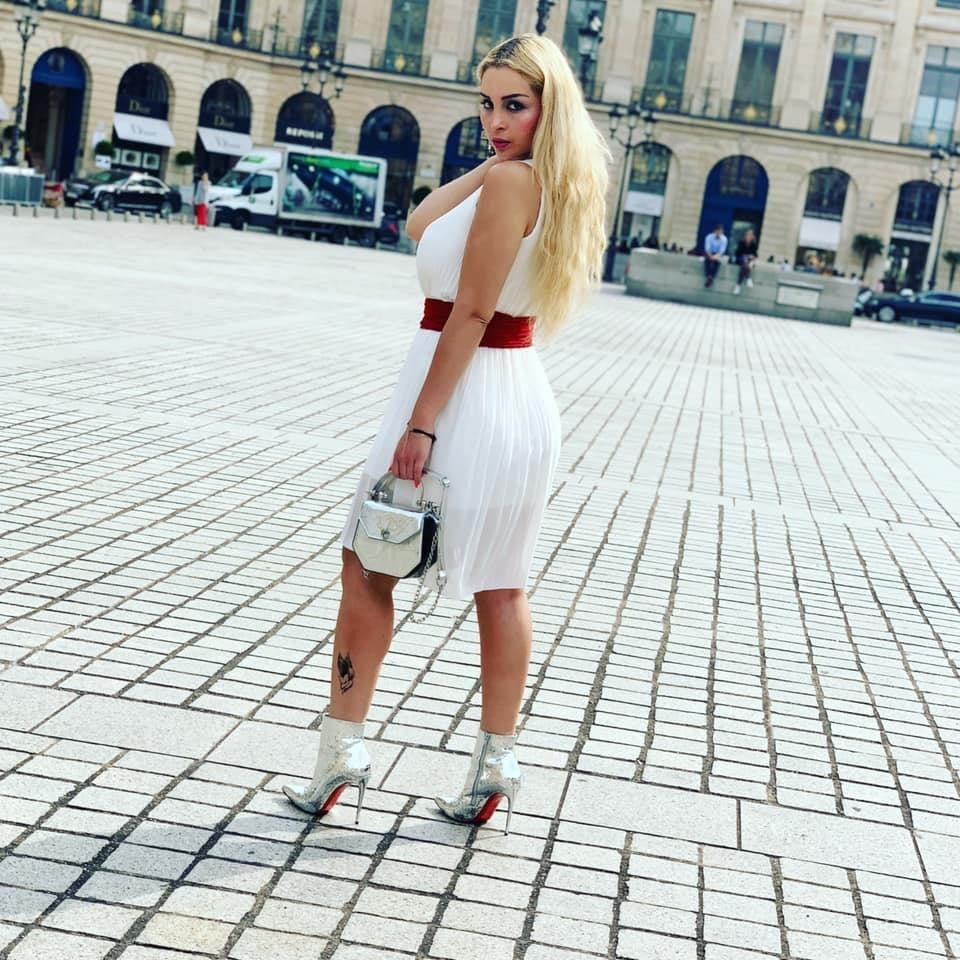 Salopes de Bourgeoises en Louboutin High Heels 8 - 50 Pics