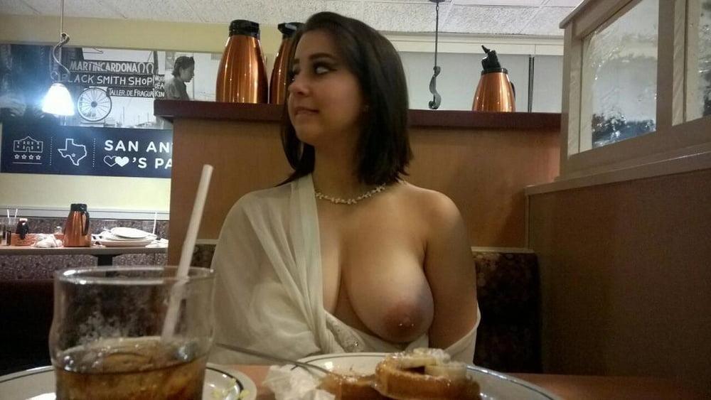 Public Flashing Restaurant Porn Pics