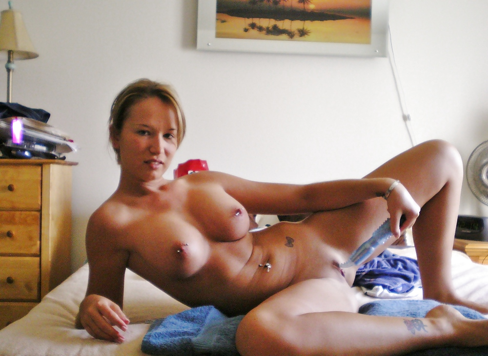 London hart naked picture wet but tight pussy
