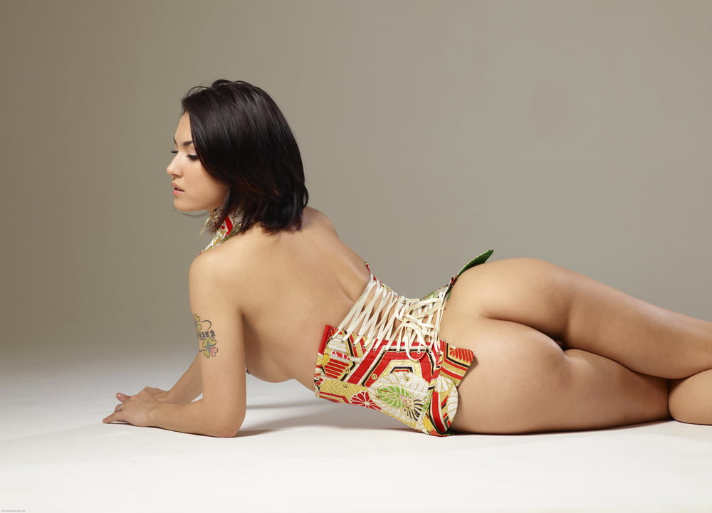 Maria ozawa high sexy, skinny redhead on fur