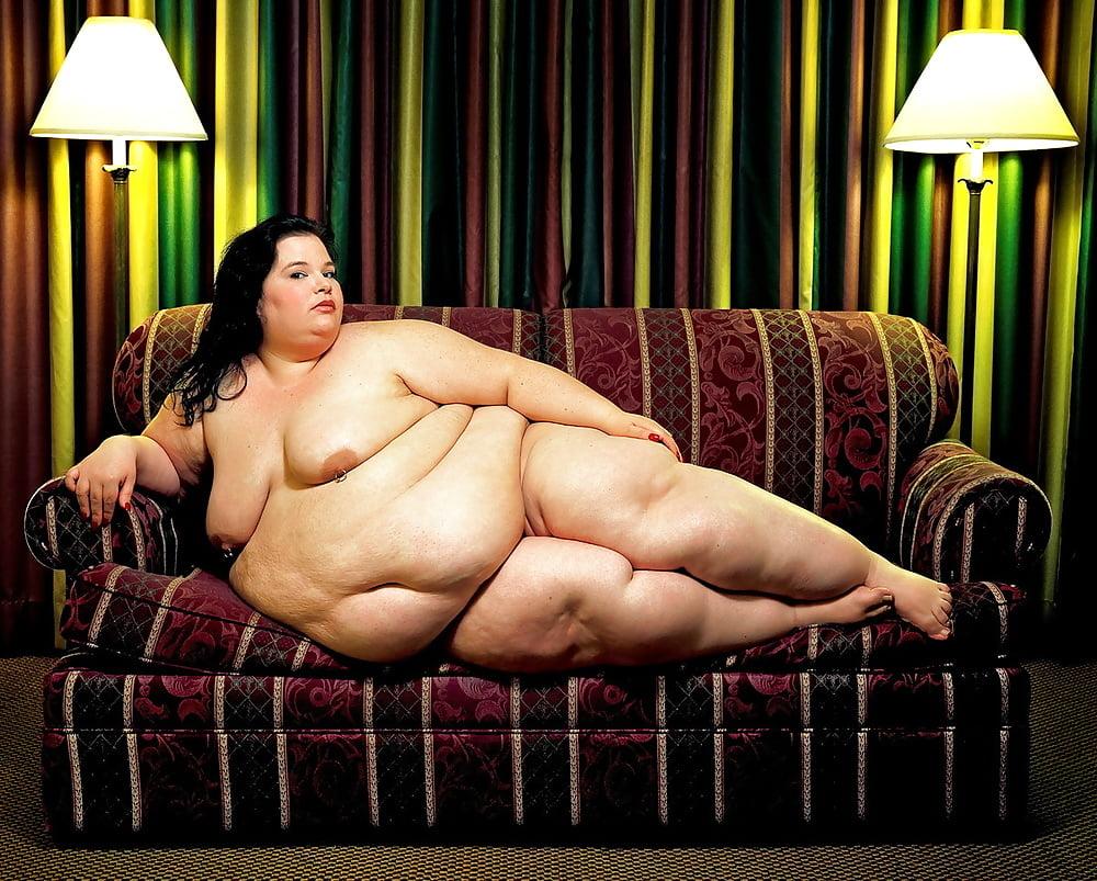 ещё самые жирные голые бабы фото спермы вырывается
