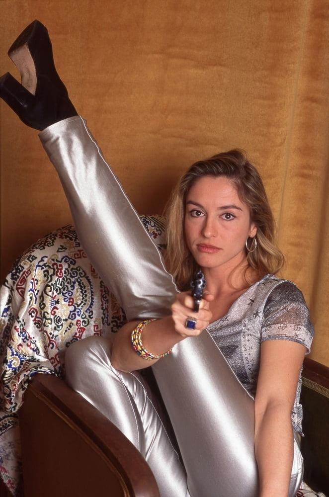 Jeanne Savary- 17 Pics