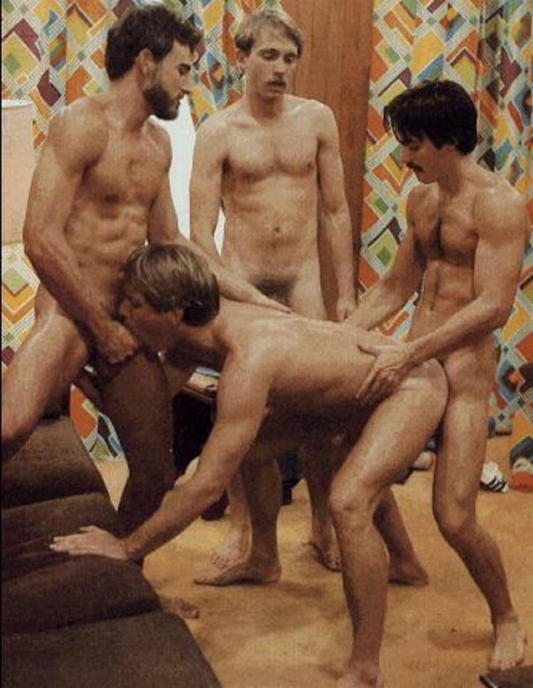 xvideos gay young sweaty latina threesome