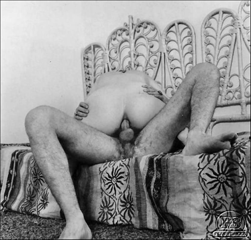 krupnim-planom-mirovoe-porno-proshlogo-veka-golie-zhenshini