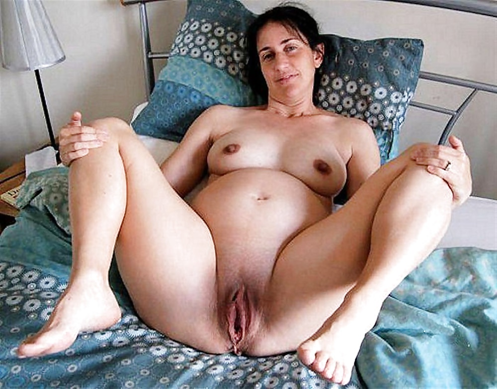 Mature naked pregnant women