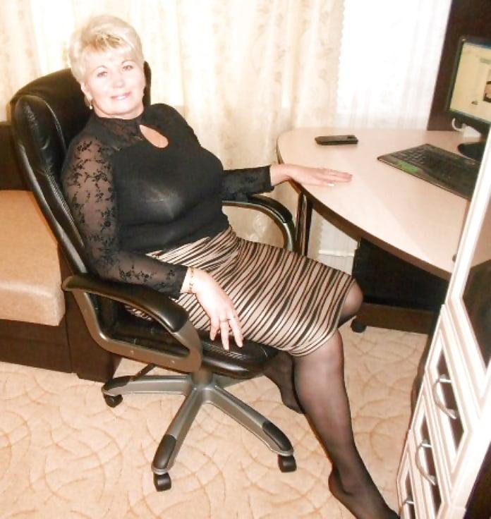 Sexy mature big tits-3383