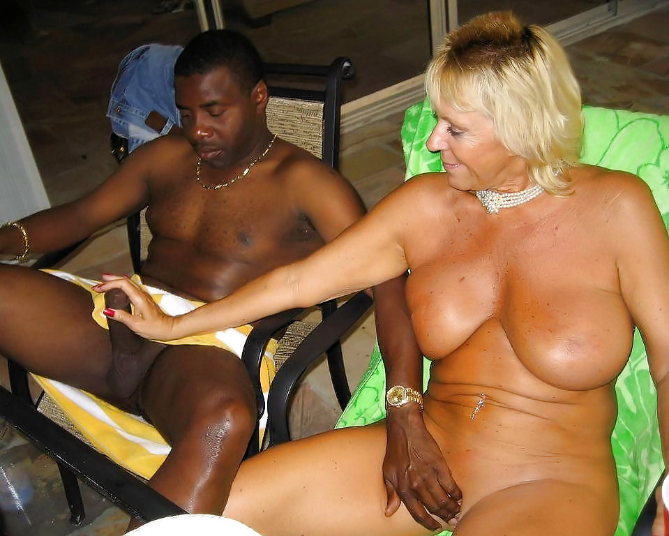Horny jamaican fuck in public, free free mobile porn photo