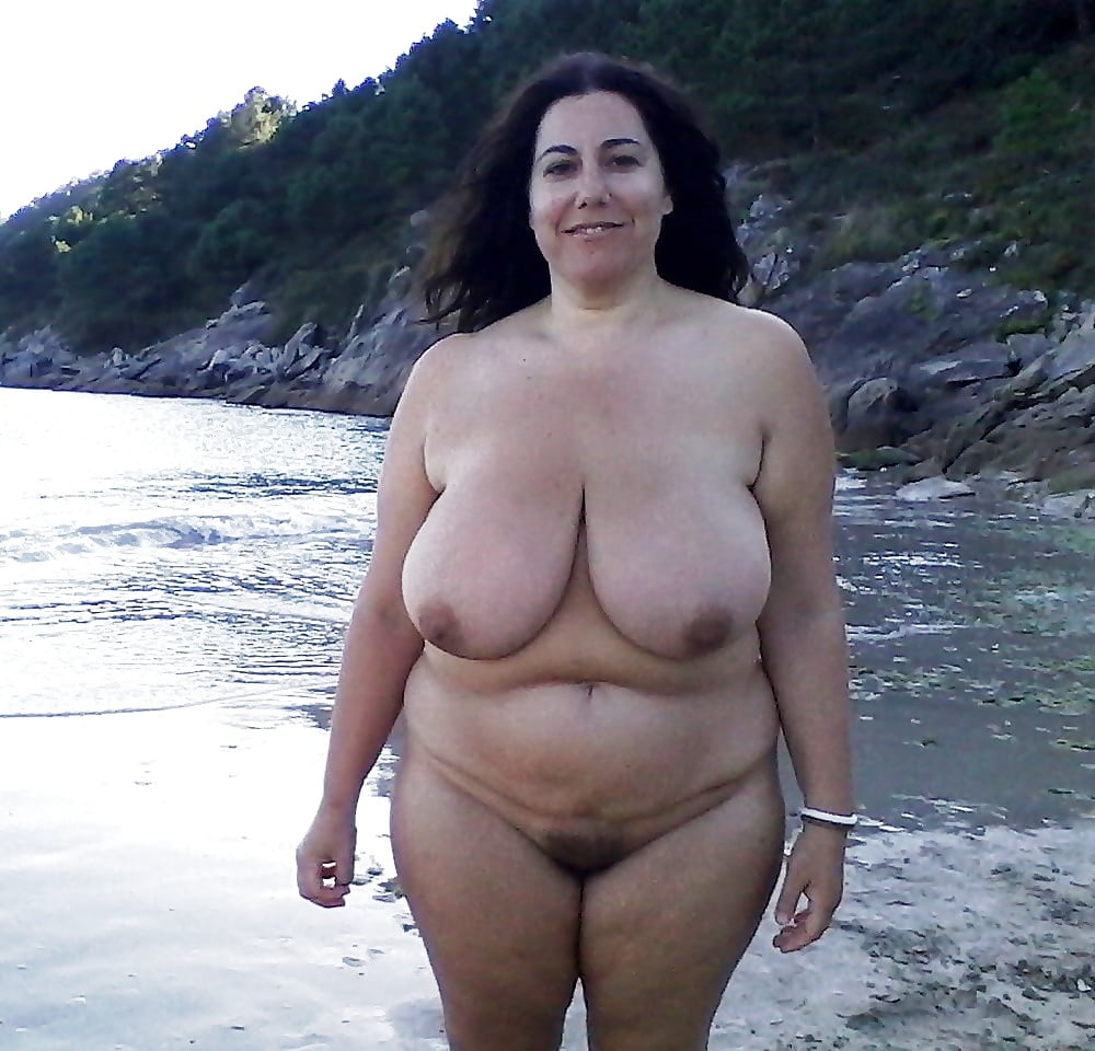 Big breasted nude mature women-3448