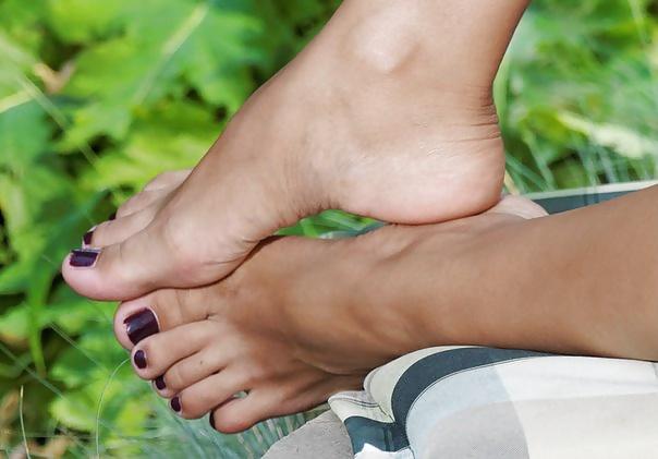 Lesbian foot fetish pics