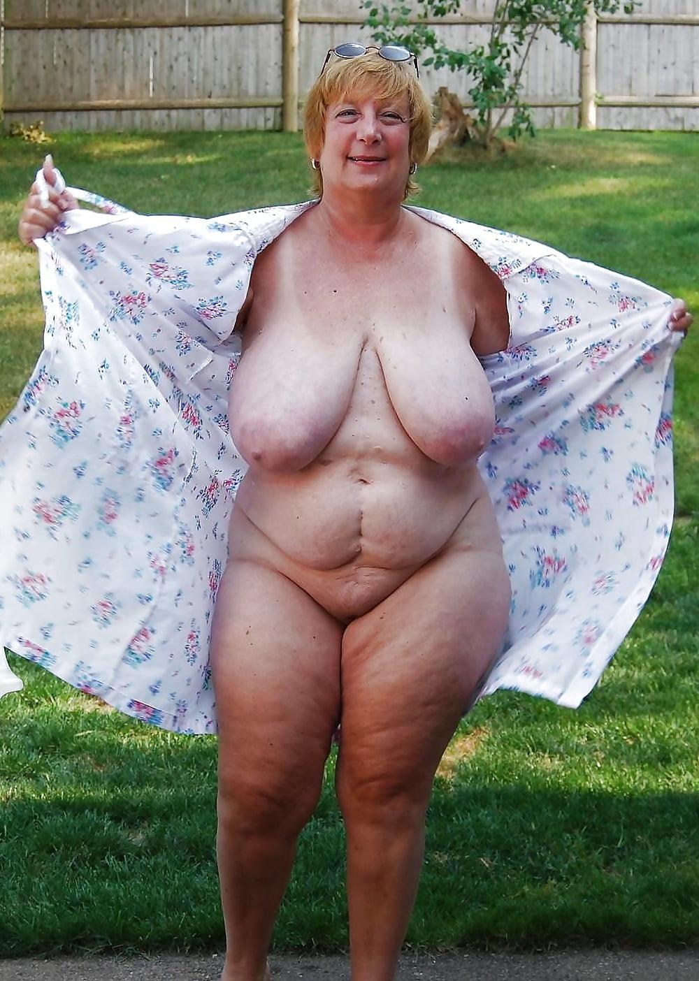 Старая голая грудь фото, усыпил и девку и выебал