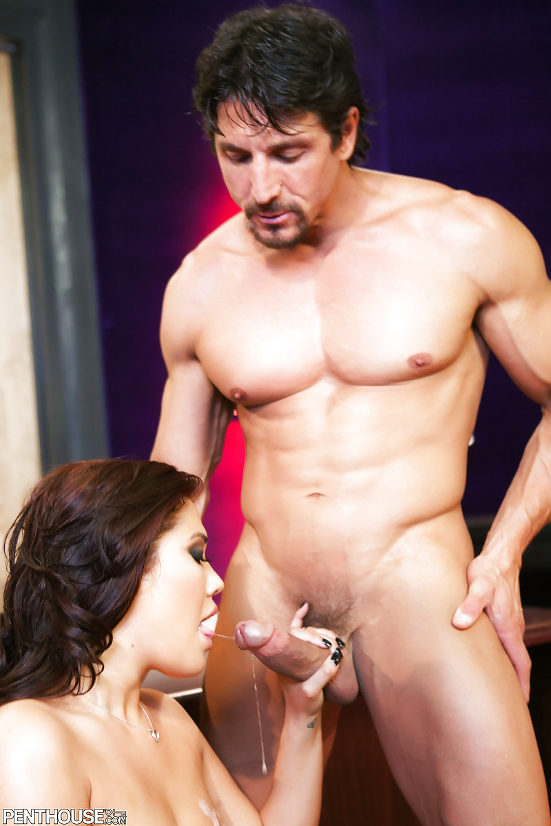 Latina Sunny Leone Riding And Getting Fucked By Tommy Gunn