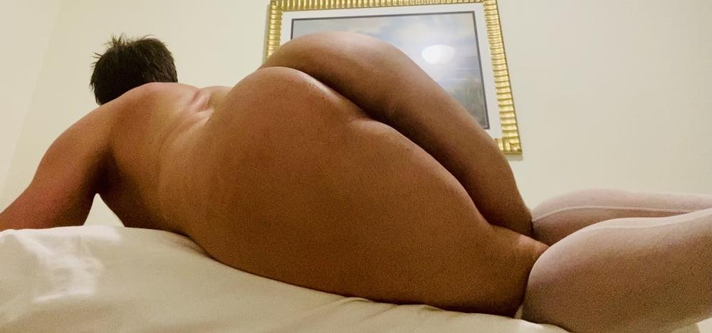 Nikkis Ass - 8 Pics