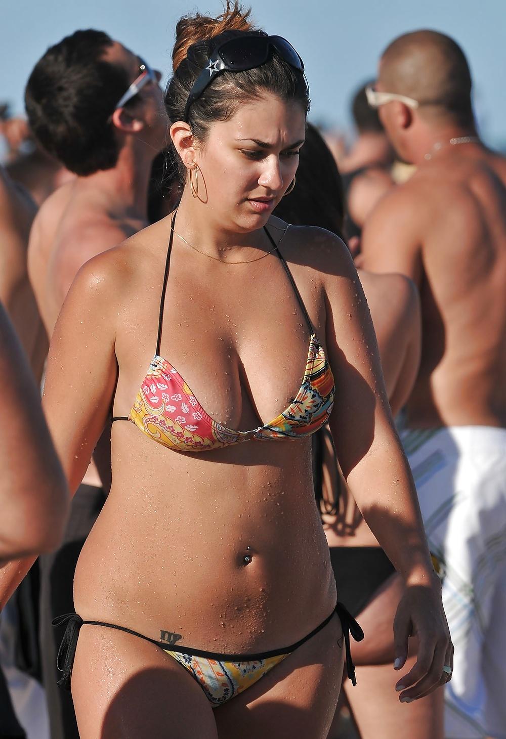 Search tit bikini 15