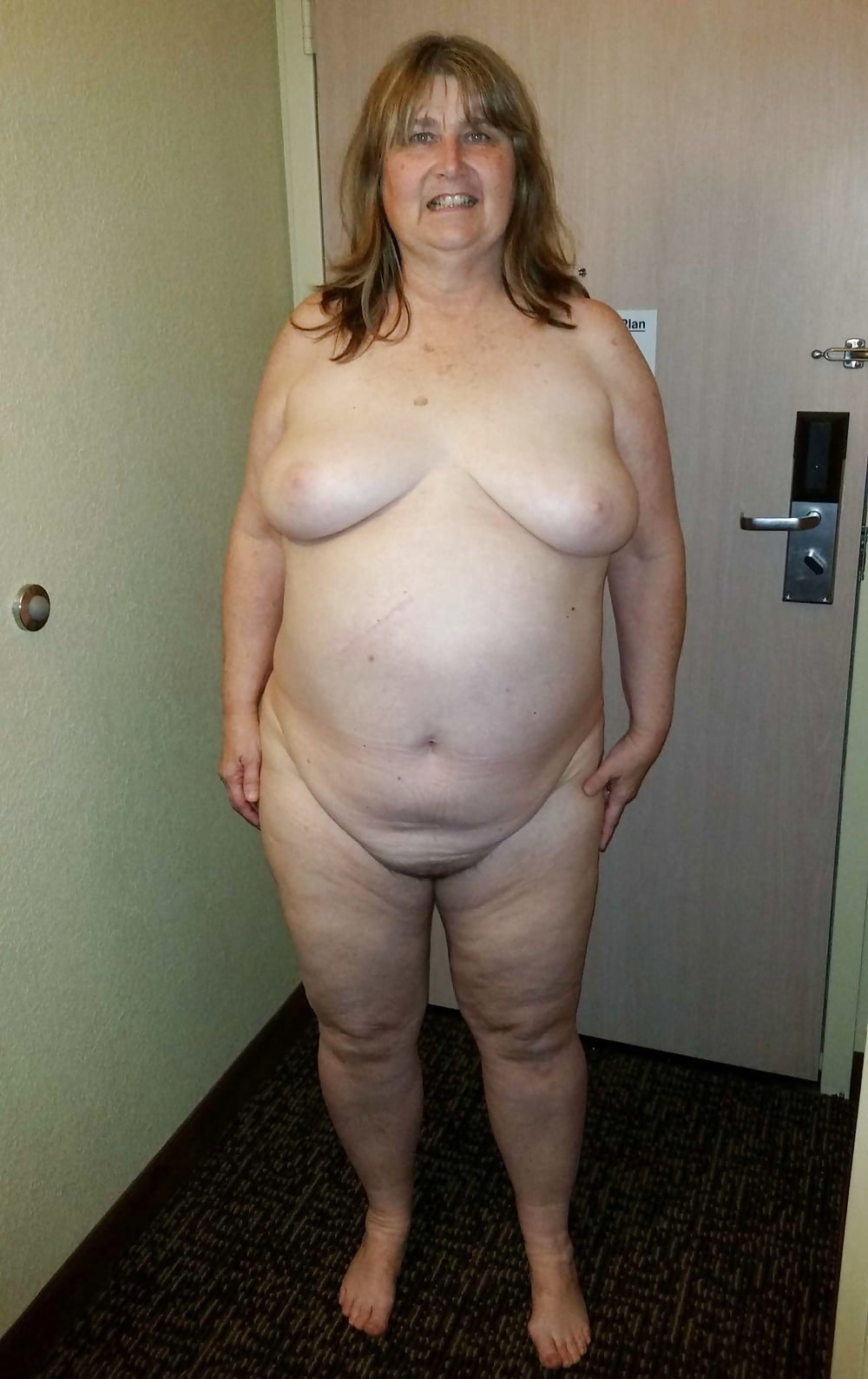Plump couples standing nude