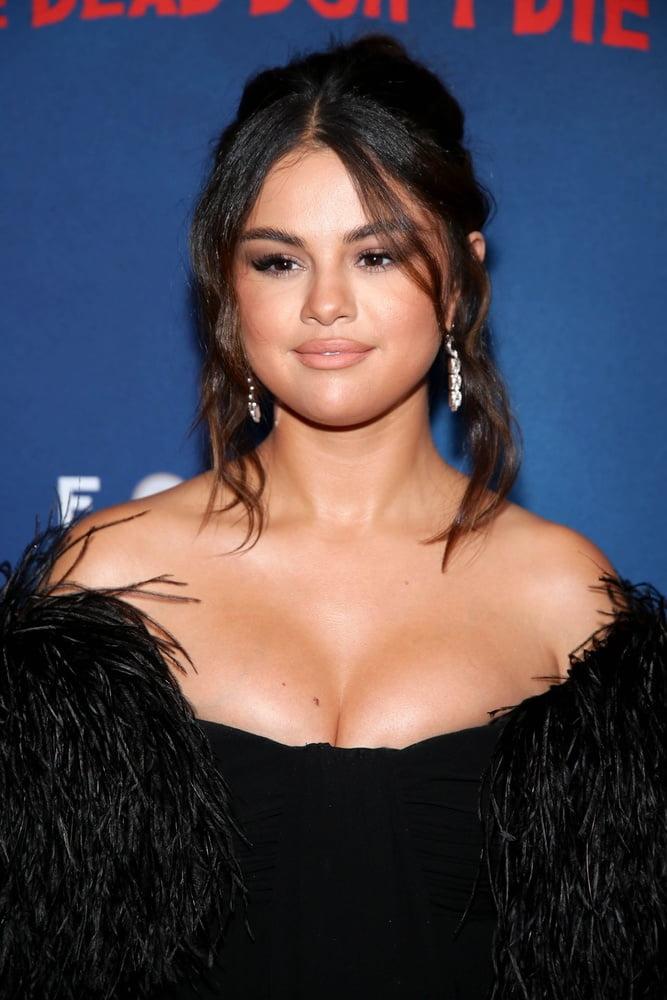 Selena Gomez - 20 Pics