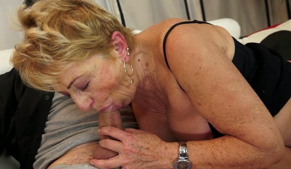 Oma giving blow jobs, live hard webcam sex in uk