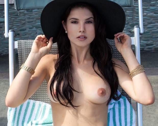 Amanda cerny- 40 Pics