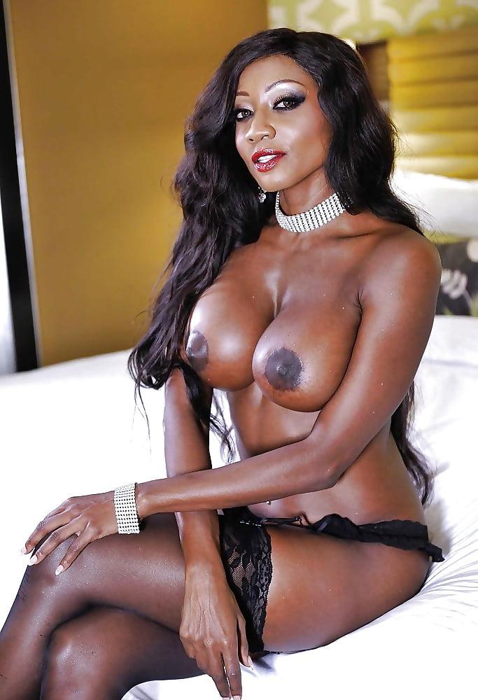 Топ самых популярных темнокожих порно актрис — 1