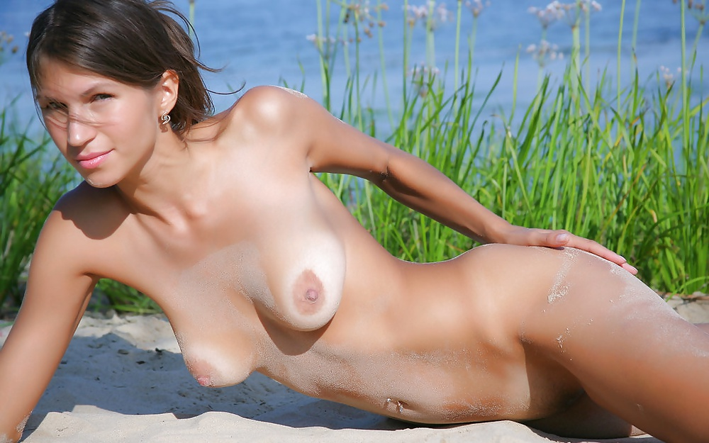 Erotic Beach Babes Session Fapvid 1