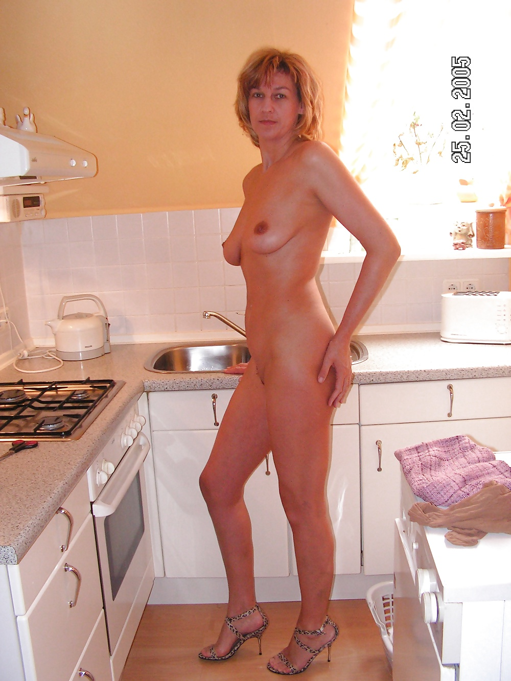 Images housewives nude — pic 13