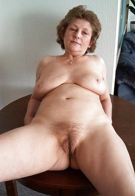 Free pictures of older mature women-1367