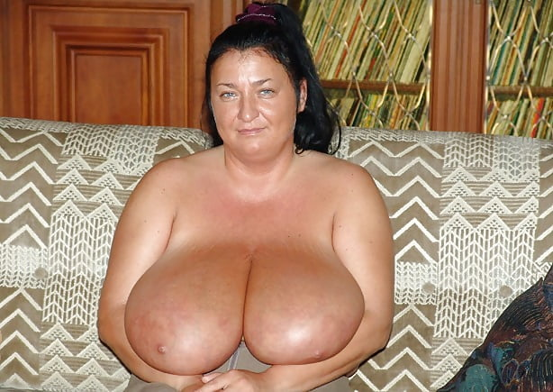 Enormous boobs milf-8149