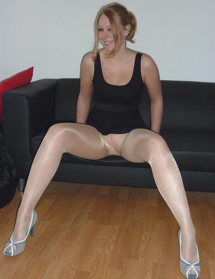 Amateur Legs In Pantyhose