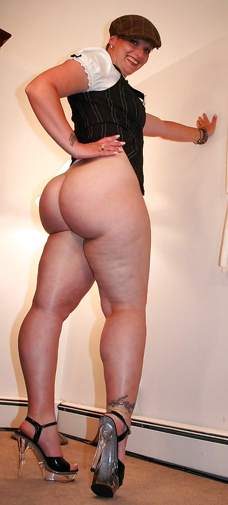 Slut legshow thick pale thighs — photo 9