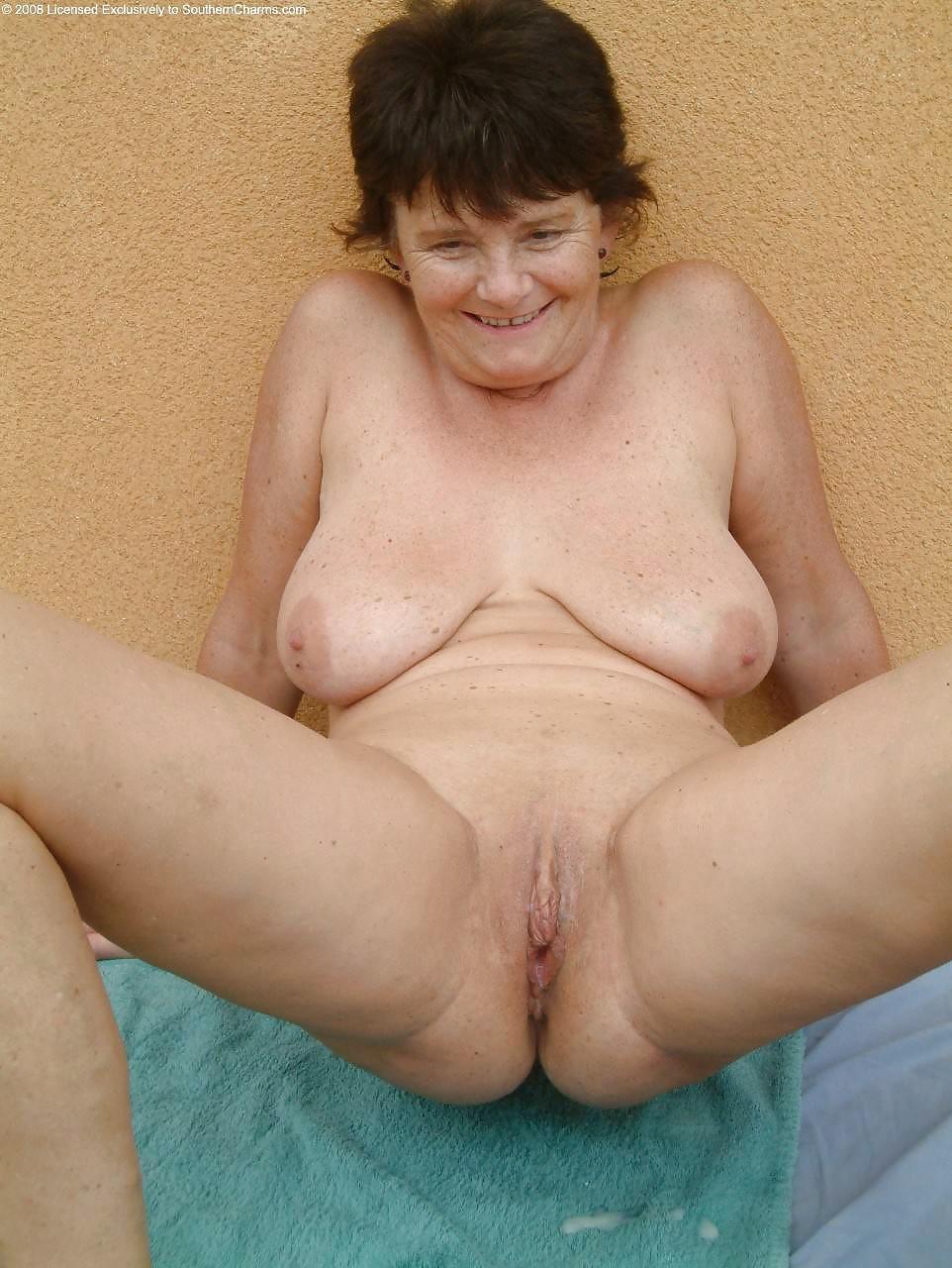 Saggy tits granny pics — img 15