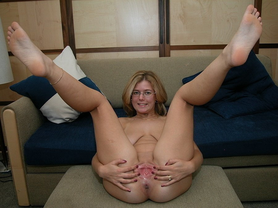 Mature Legs, Spread and Ready 28 - 50 Pics