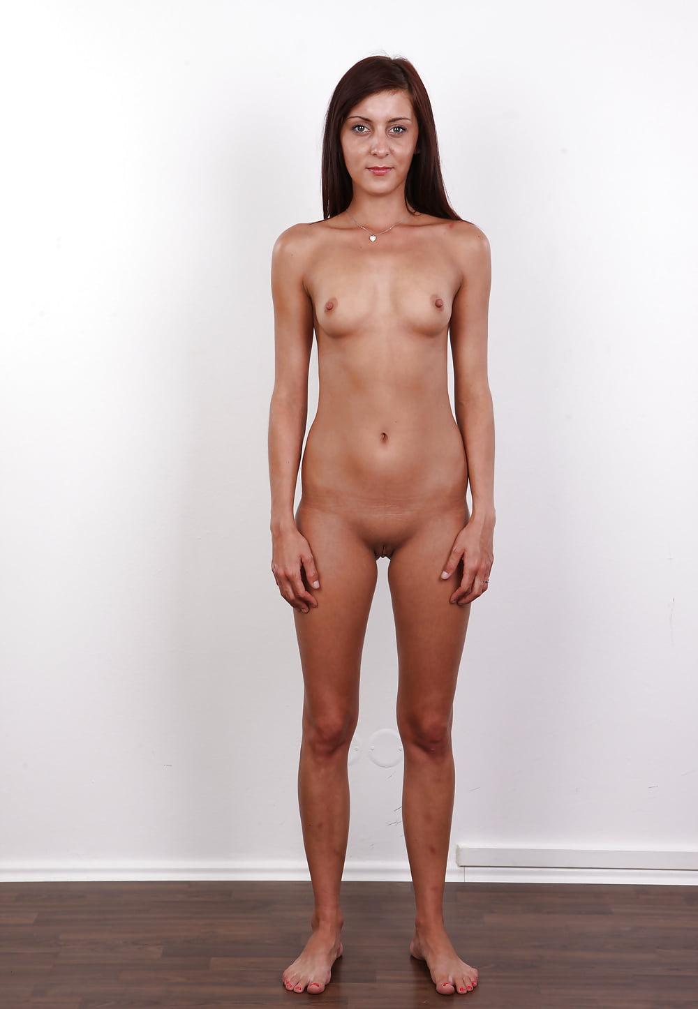 nude-girls-standing-on-head