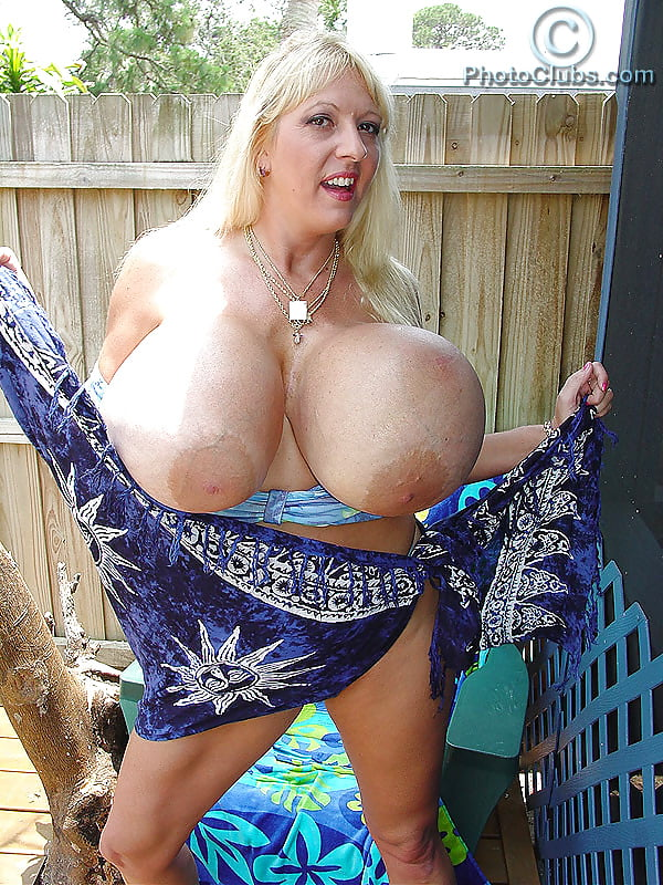 sex-nudes-maxi-mounds-pink-bikini-pics-fat