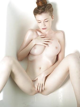 Emily Table Fantasy Coolios Erotic Babes Man To Women Txxx 1