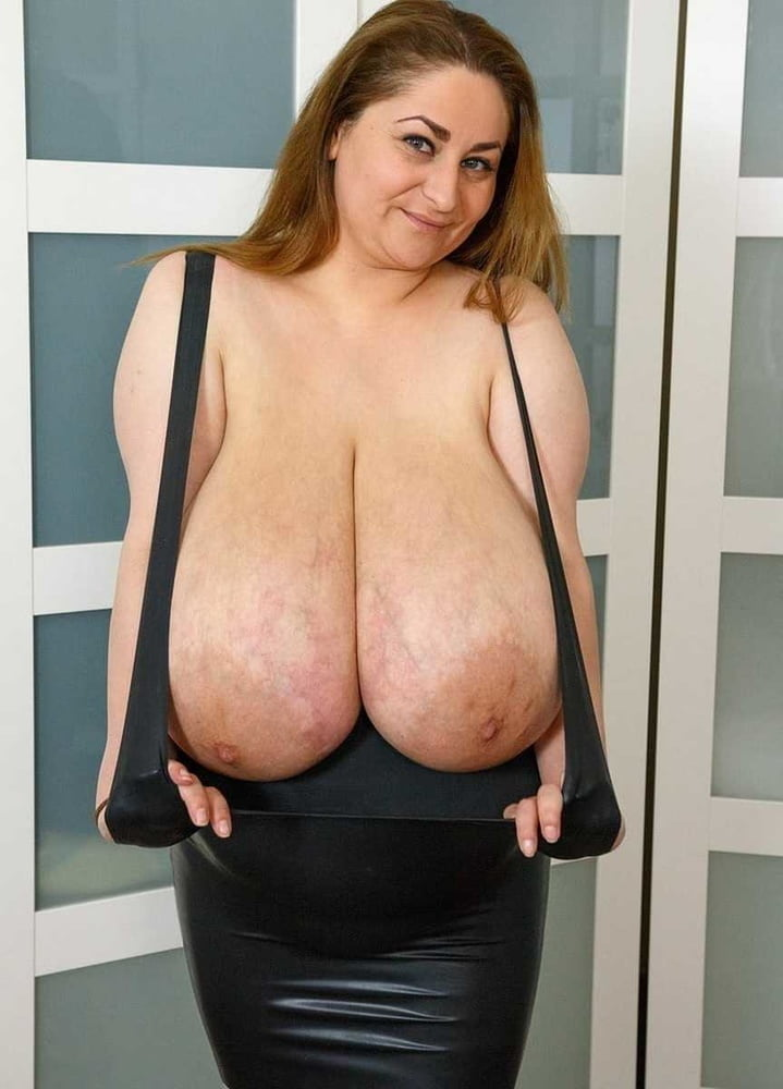 From MILF to GILF with Matures in between 271 - 498 Pics