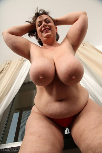 Chubby, Curvy, Cuddly - Heavenly Hangers - 25 Pics