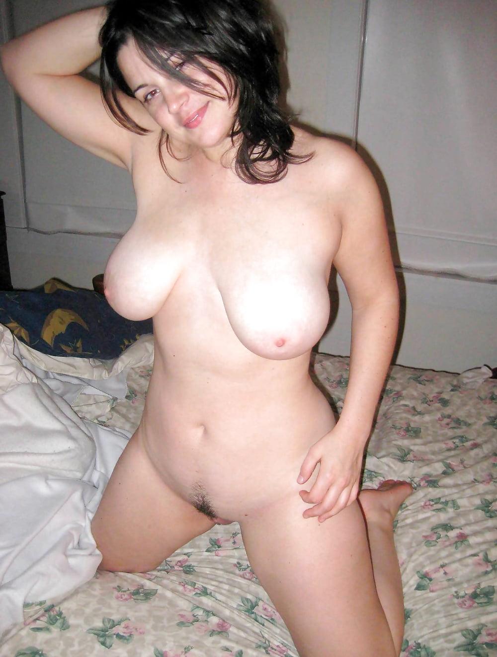 Частное фото голых сисястых девок, сняли тайку с сюрпризом порно видео