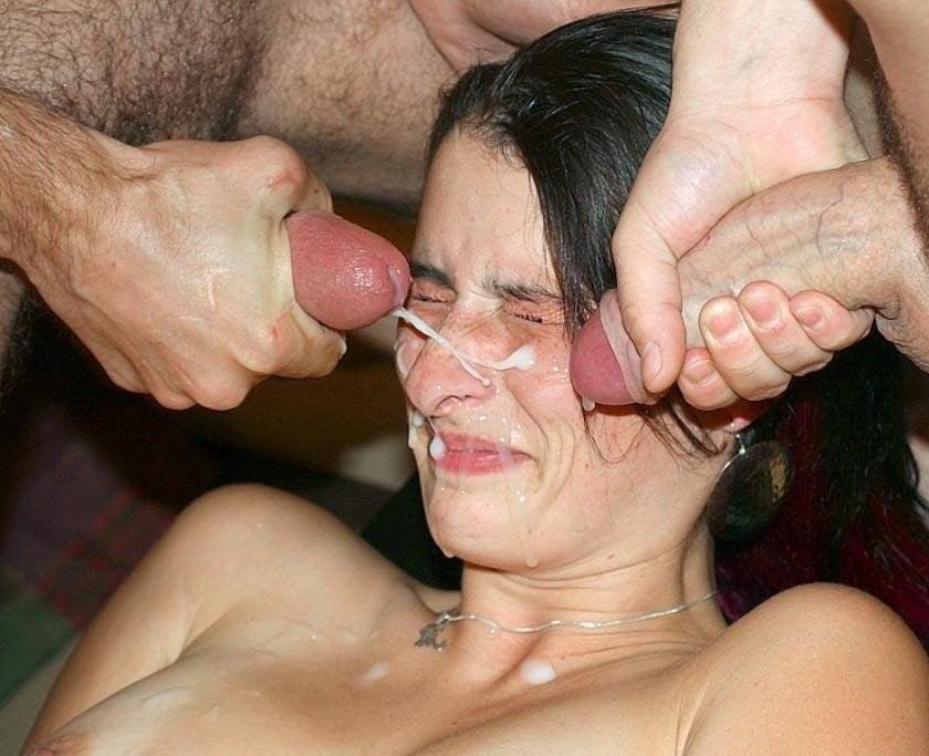 on-ochen-lyubit-spermu-liza-enn-v-saune-onlayn
