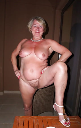 Nude Naked Mom Doing Laundry HD