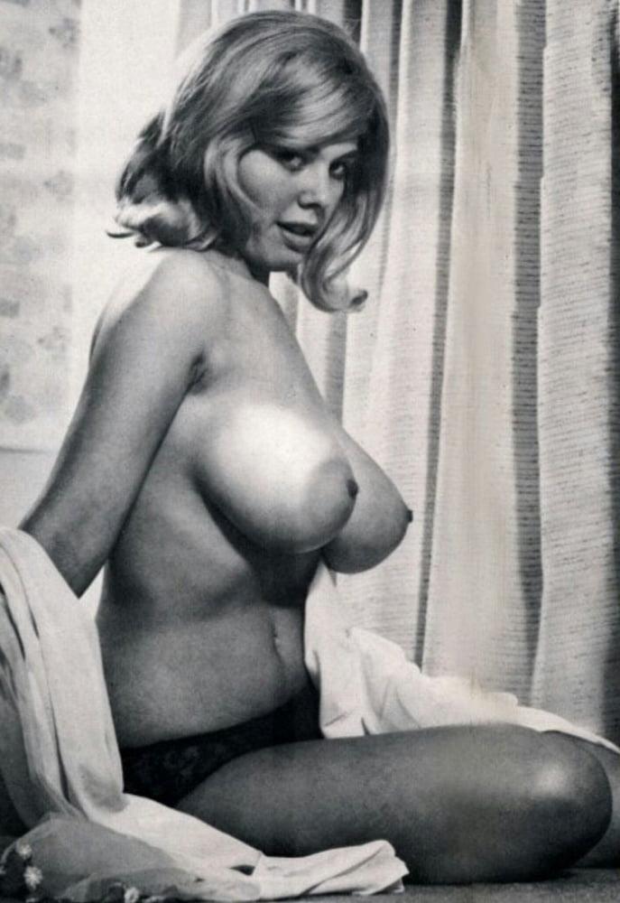 Porn retro big tits-4331