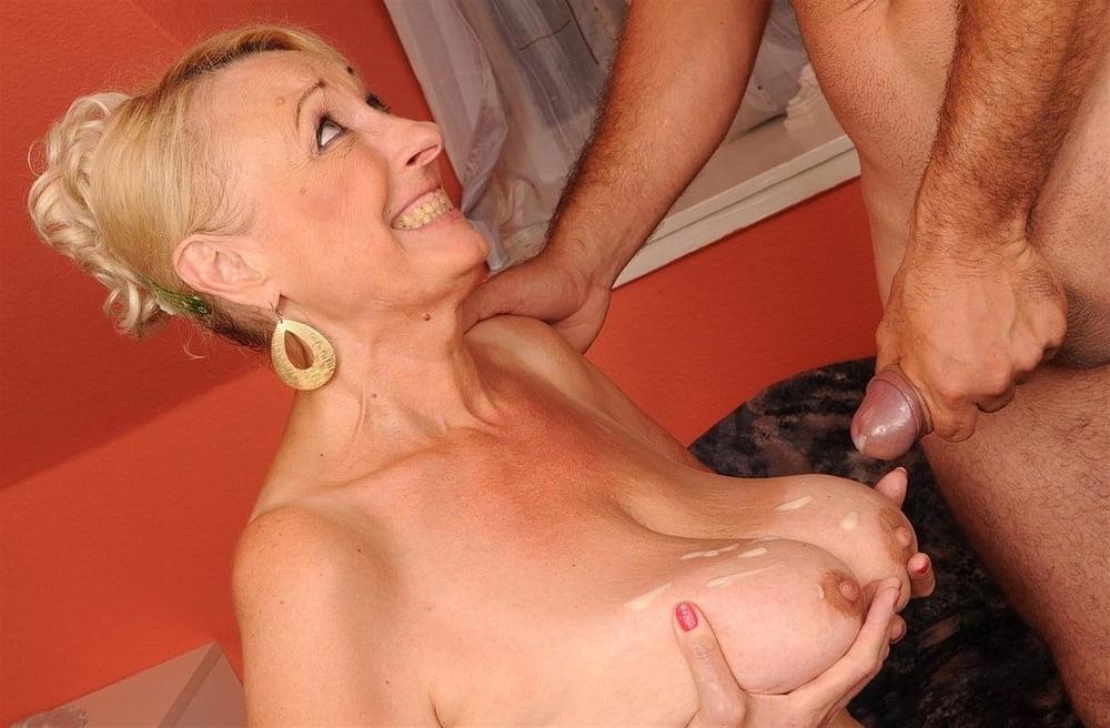 My wife sucking swallowing cum