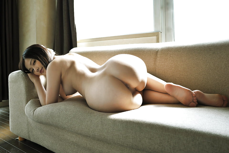 Korean girl naked ass