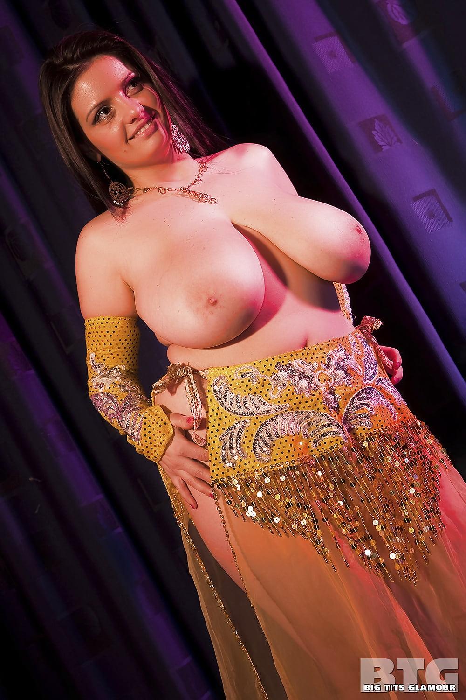 сам быстро танец живота голыми женщинами живу молодым человеком